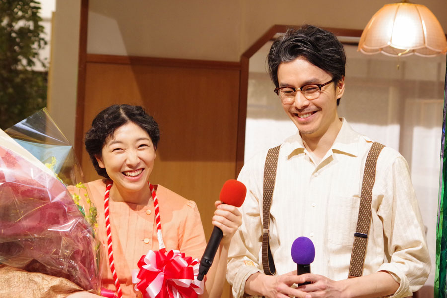あらためて「『まんぷく』めっちゃ大好きです。めっちゃおもしろいドラマだなと思います」と感想を述べた安藤サクラ(左)と長谷川博己