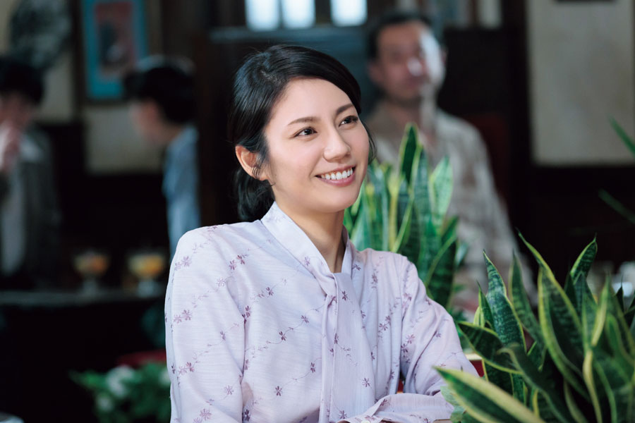「モデルさんで思い悩むシーンでは、お母さんを忘れて、妻を忘れて、思い切り少女に戻って恋する人に」と松下奈緒