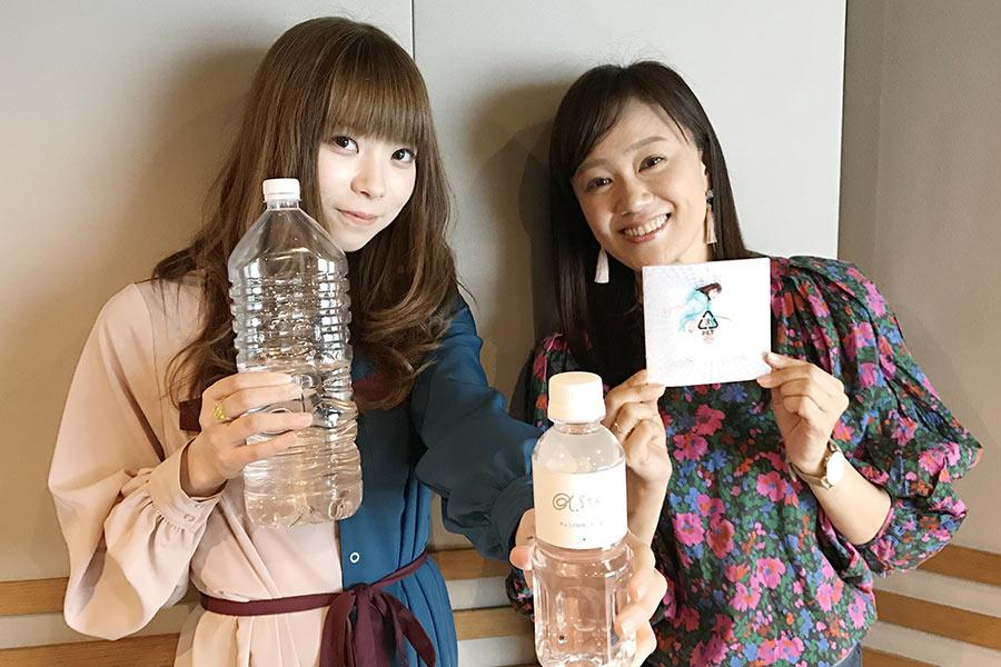 ましのみ(右)とDJの寺田有美子(14日・α-STATIONスタジオ)