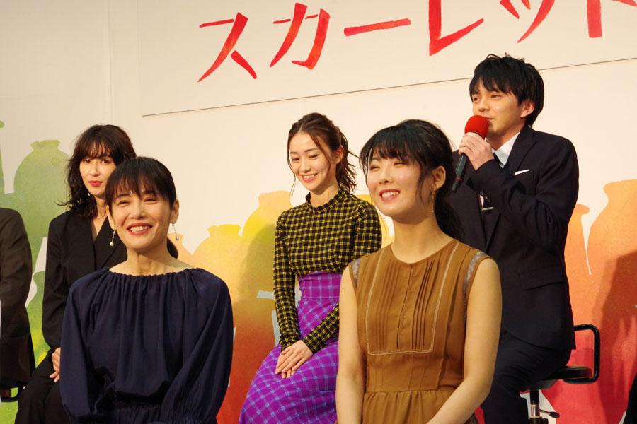 滋賀県出身と明かすと共演の富田靖子から「そうなのと?」と驚かれ、「そうなんです」と胸を張る林遣都