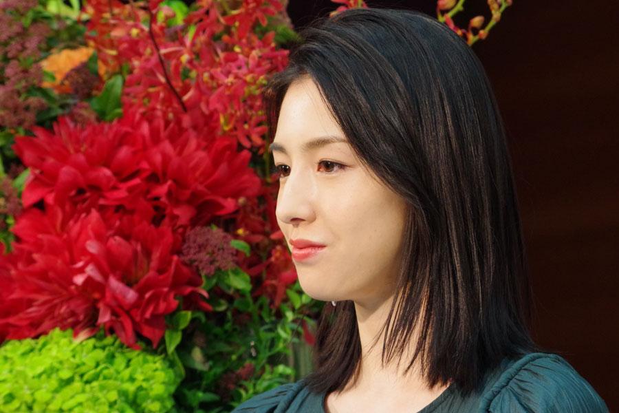 連続テレビ小説『スカーレット』でヒロイン・川原貴美子(戸田恵梨香)の上の妹・直子役を演じる桜庭ななみ