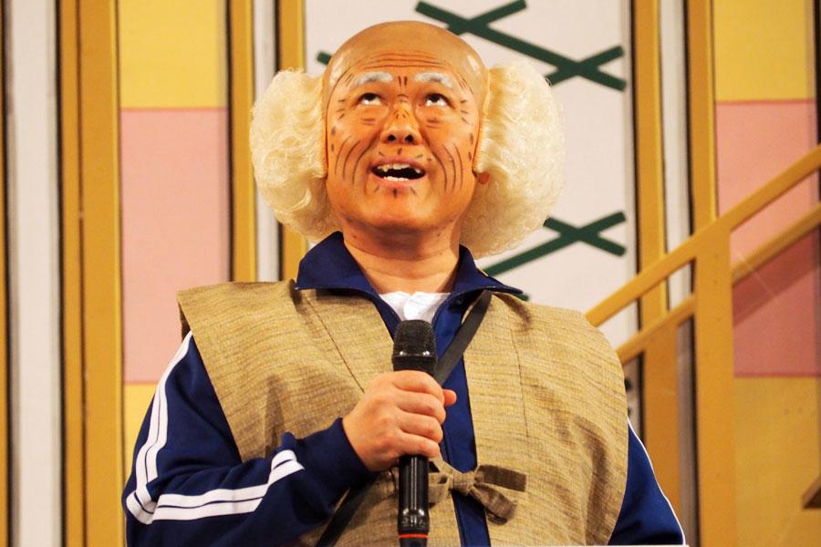 劇場に「足を運んだらどうや」とギャグを見せる辻本茂雄