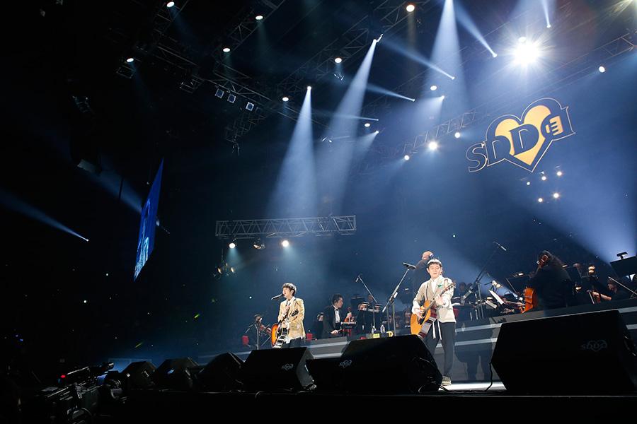 『LIVE SDD 2019』に登場したゆず(23日・大阪城ホール)写真:LIVE SDD 2019 official Photo