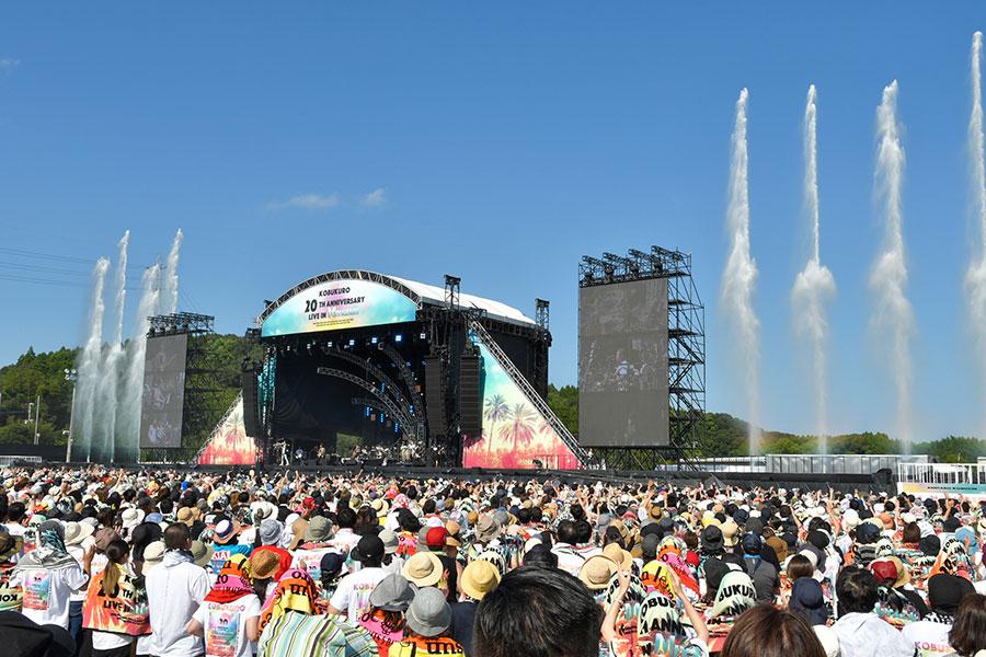会場には、ふたりの20周年を祝うべく2万5000人のファンが駆けつけた
