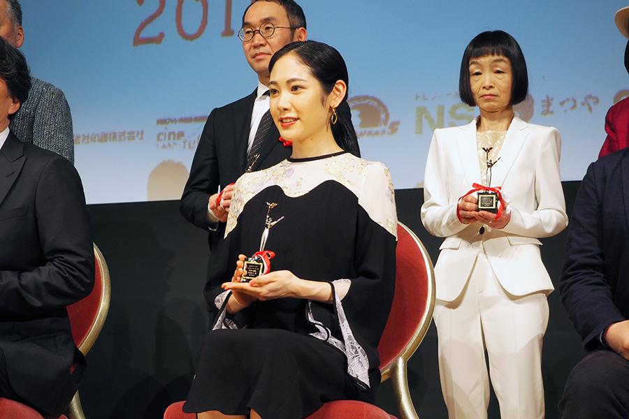 『おおさかシネマフェスティバル2019』で助演女優賞に輝いた女優・阿部純子(3日・大阪市内)