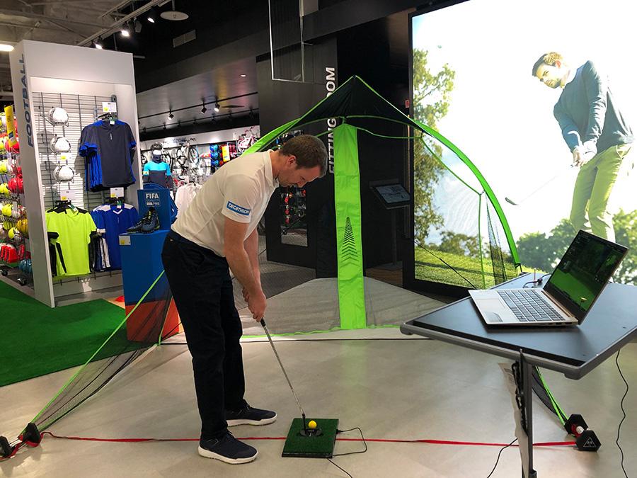 ゴルフ練習セットは、実際に体験することもできる