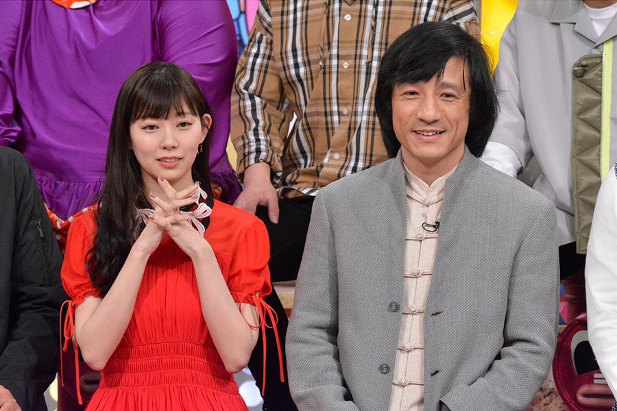 3月28日放送の『ダウンタウンDXDX』ゲストの渡辺美優紀(左)、右はジャッキー・チャン © ytv