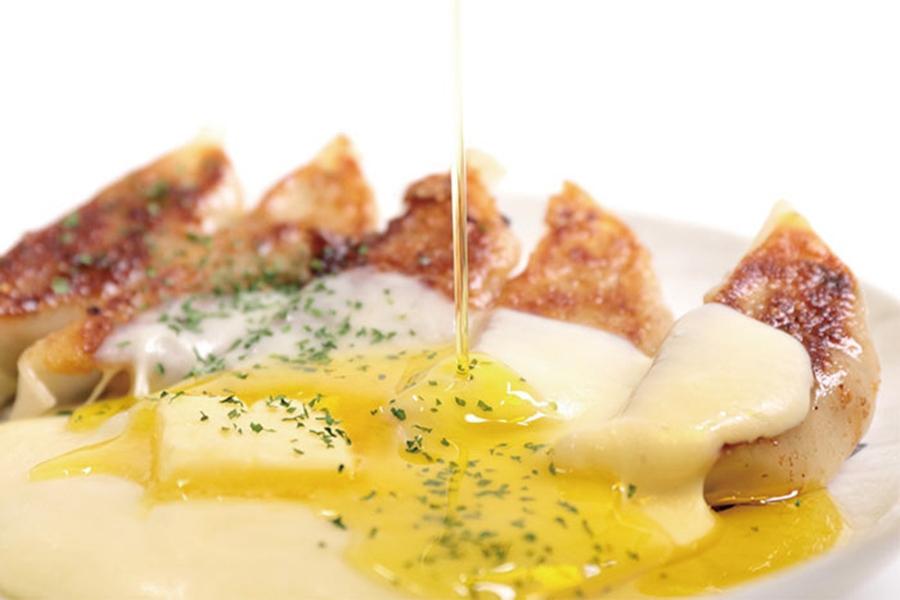 「マルエス食堂 バターチーズ餃子」の画像検索結果