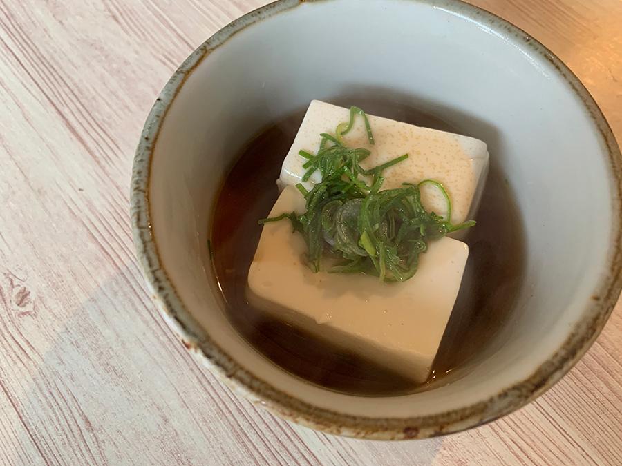 温かい湯豆腐も付く