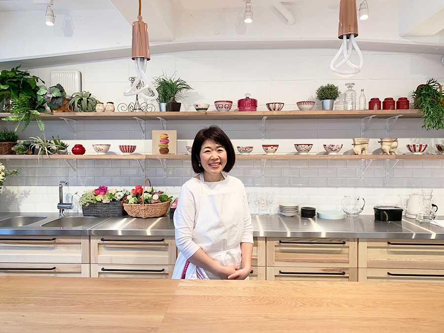 フランス・パリで修業し、地元・京都でお菓子教室「ラプティ シェリー」を主宰