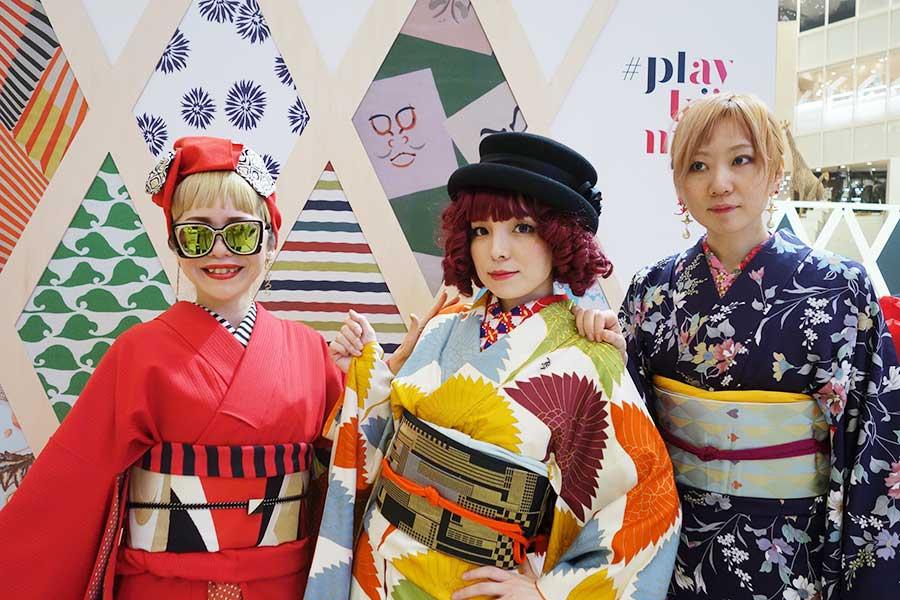 左から、着物に合わせるターバンを手掛ける『Bonrich』のフルサワケエコさん、川原マリアさん、高島衣代さん