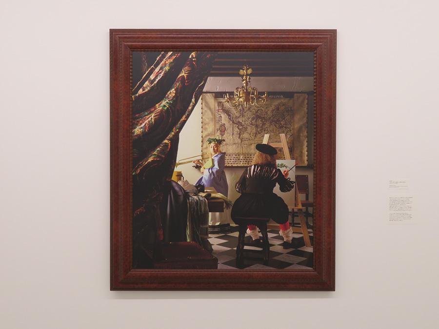 森村泰昌《フェルメール研究(大きな物語は、小さな部屋の片隅に現れる)》 2004年 カンヴァスに写真加工