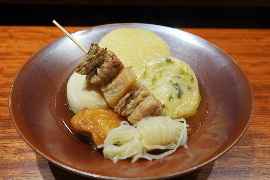 じっくり出汁がしみ、やさしい味わいの「土井の京風おでん」