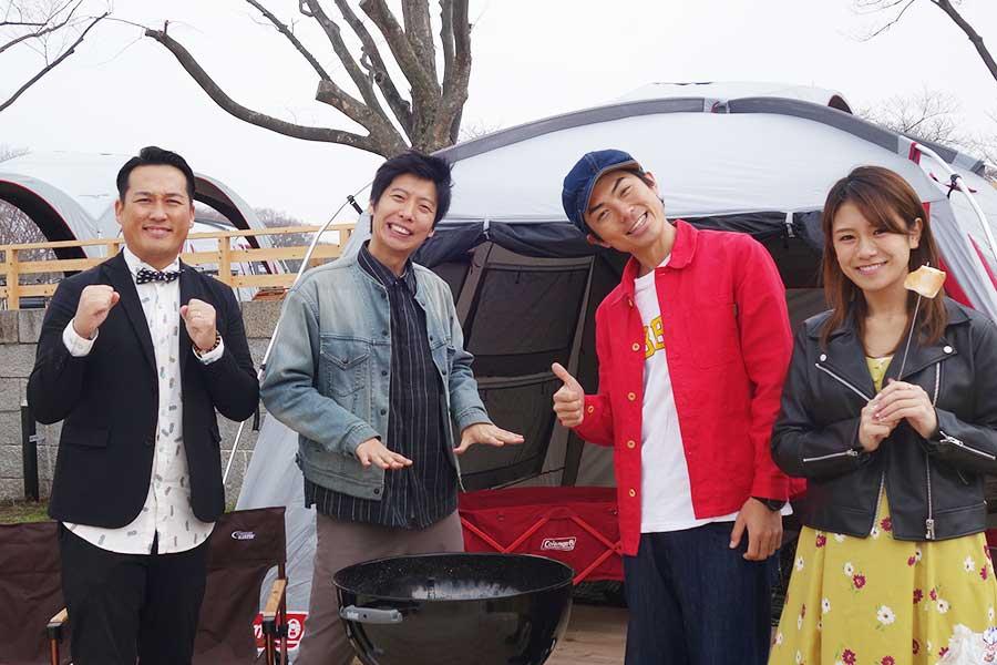 左から藤崎マーケットの田崎、トキ、たけだバーベキュー、福本愛菜