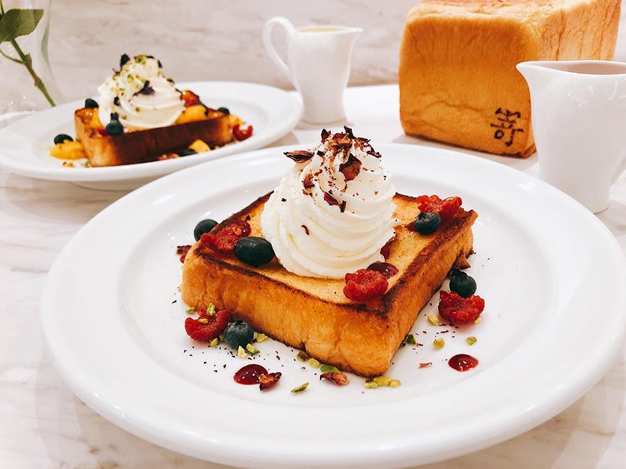 ベリーの酸味とミルクの風味が生きた「ラズベリーミルクトースト」1550円(税別)