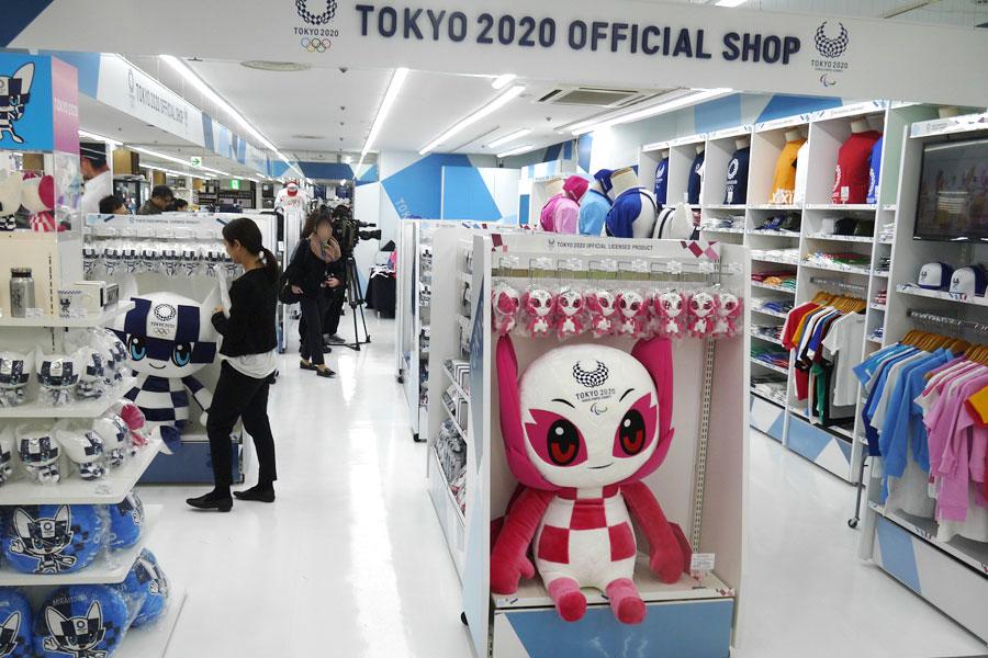 大阪の「ビックカメラなんば店」2階に「東京2020オフィシャルショップ なんば店」がオープン
