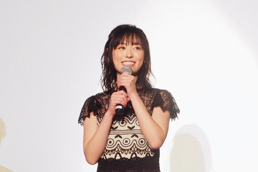 舞台挨拶に登場した福原遥(6日・茨木市内)