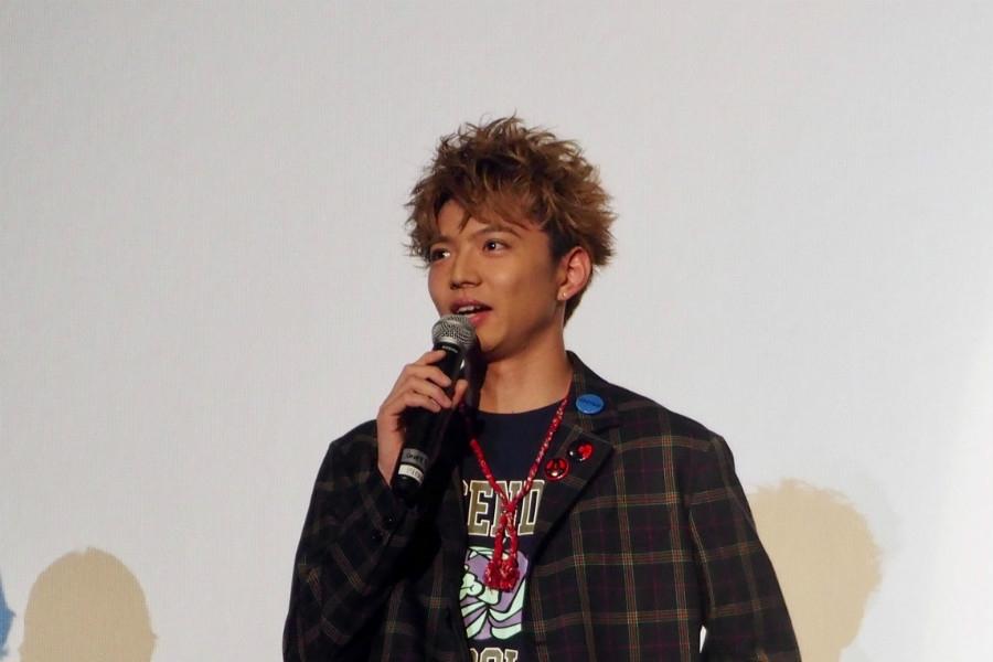 舞台挨拶に登場した佐藤大樹(6日・茨木市内)