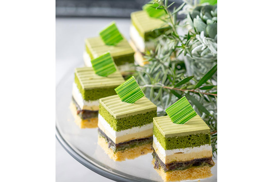北海道産小豆を使った黒蜜あんこや宇治茶など、日本の甘味を洋風ケーキに取り入れた「新edo大納言ショートケーキ」