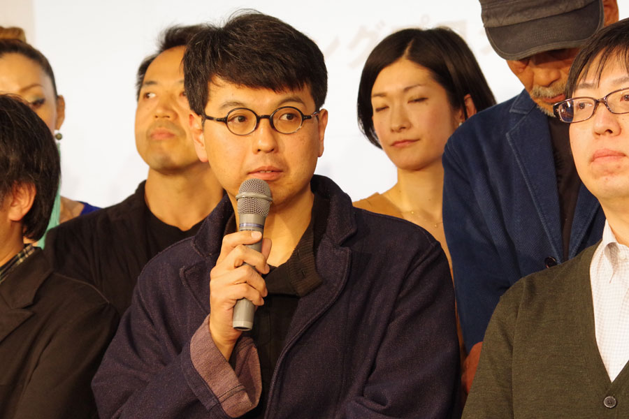 「演劇界の芥川賞」と言われる「岸田國士戯曲賞劇」の受賞作品『山山』(作・松原俊太郎)を上演した地点の代表・三浦基