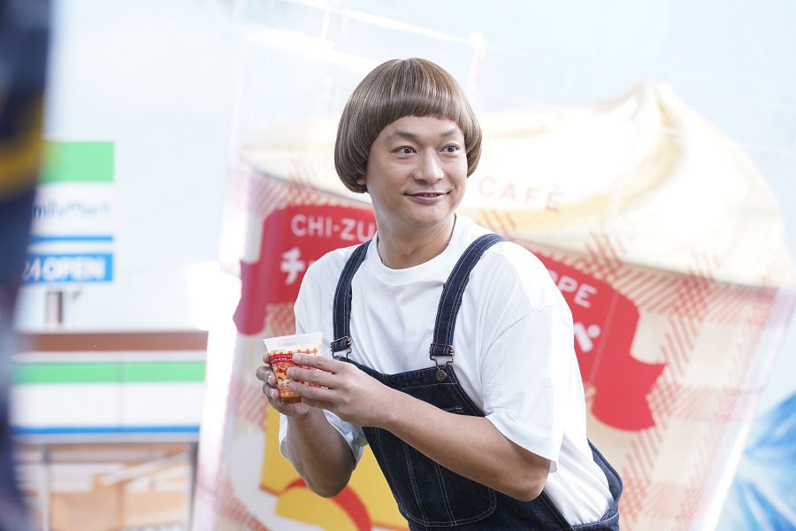 新商品「チーズケーキフラッペ」のCM撮影に挑んだ香取慎吾