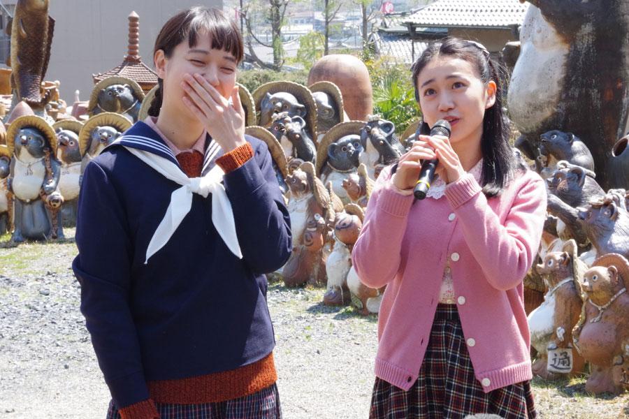 大島優子から「顔合わせで前髪をぱつっと短くしてて、こんなにこの前髪が似合う人いるのかなって」と褒められて喜ぶ戸田恵梨香