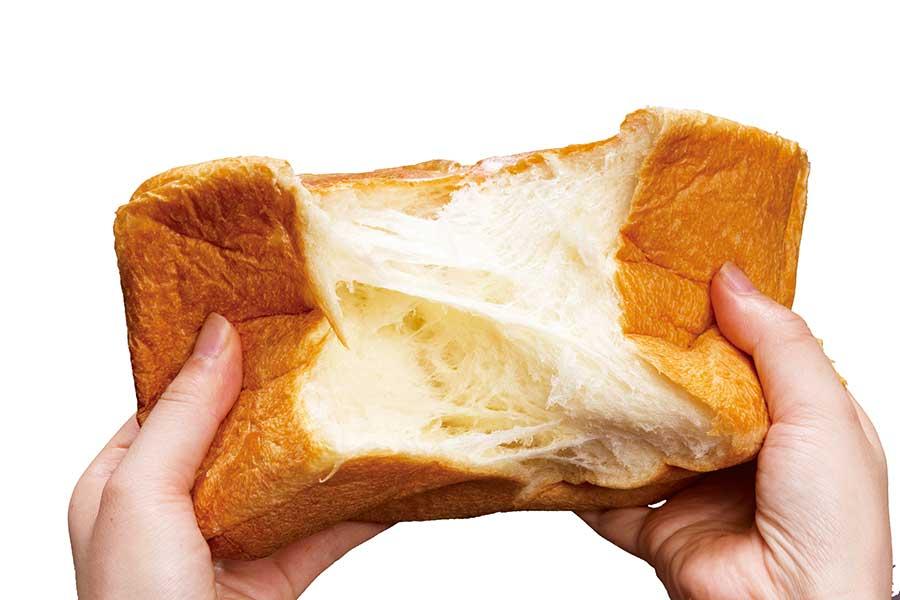 きめ細かく、口溶けの良さを追究したというプレーンの食パン「非常識」