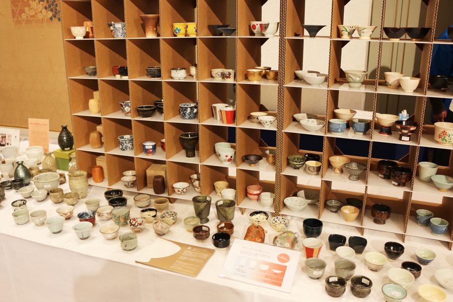 五条坂・茶わん坂ネットワークによる酒器の展示・販売