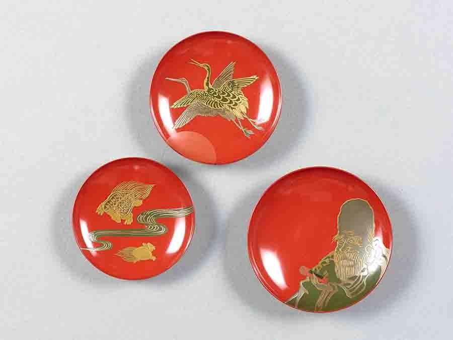 福禄寿鶴亀蒔絵三組盃 江戸時代 18世紀 京都国立博物館蔵