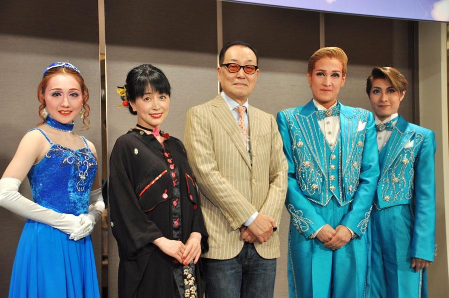 写真左から舞美りら、声優の横山智佐、広井王子、桐生麻耶、楊琳(13日・京都市内)