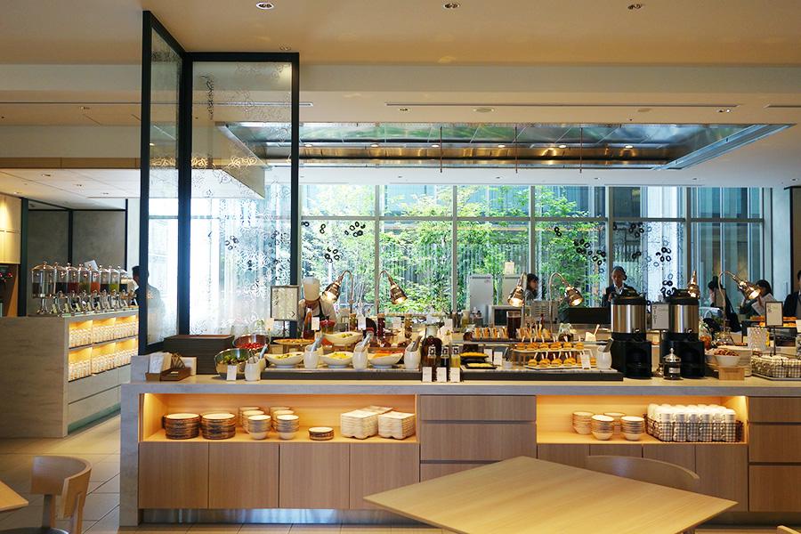 約200席あるレストラン「ヴィスキオガーデン」。写真は朝のモーニングブッフェ