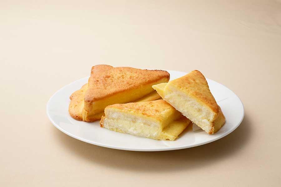 シンプルだからこそ、クセになる三角チーズパン