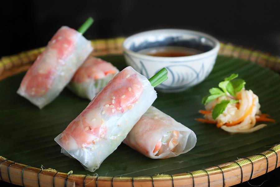 ハーブの香りがアクセントとなるベトナム料理(イメージ)
