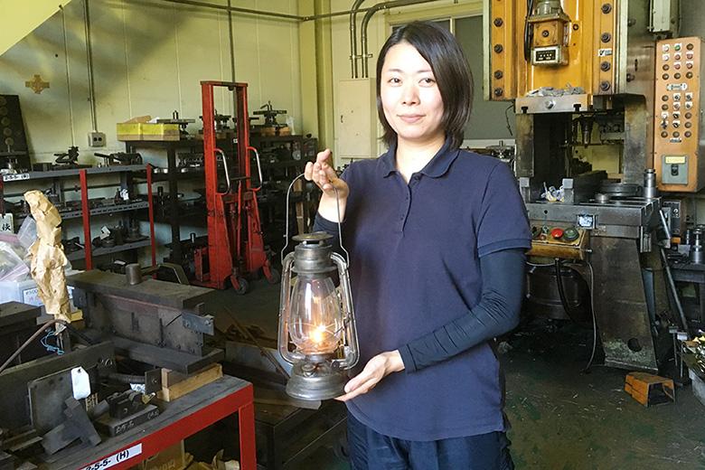 八尾を灯す、日本唯一の女性ランプ職人