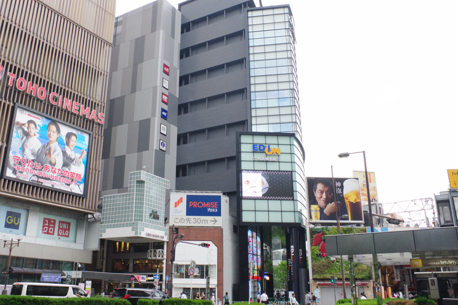 南海電鉄・難波駅前にオープンした「エディオン なんば本店」