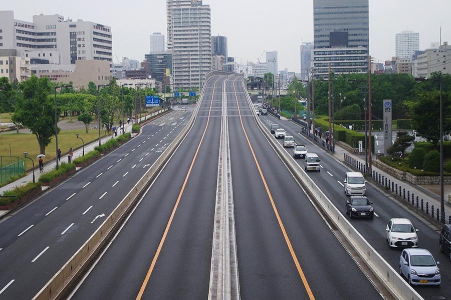 『G20』開催期間中の交通規制により、車両がなくなった阪神高速13号東大阪線(27日・朝8時半頃)
