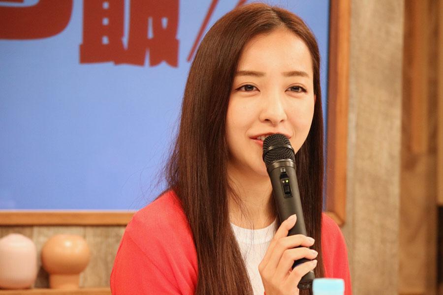「セイロンライスについて教わる場面があるのですが、『そうなんだ~』って聞いていました」と食に関して多大な興味を示す板野友美(6月22日・テレビ大阪)