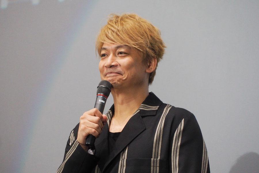 「完成披露で全国を回れるのはうれしい」と話す香取慎吾(19日・大阪市内)