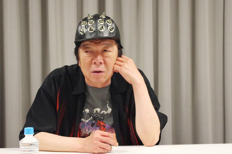 劇団☆新感線の新作時代劇『けむりの軍団』では、「(劇中で)めちゃくちゃ戦わされてる」と愚痴る古田