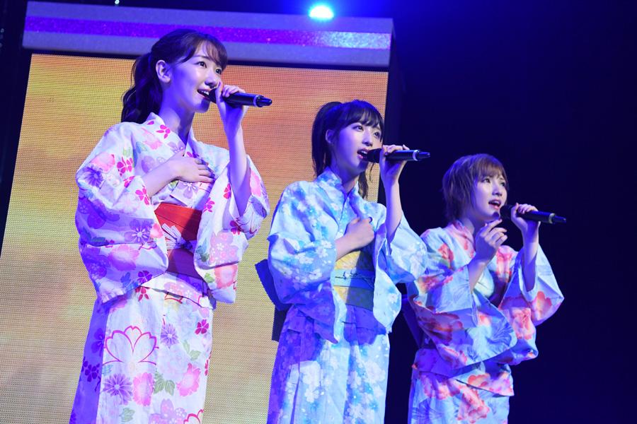 七夕にちなんで浴衣姿を披露したAKB48(7日・NHK大阪ホール)©AKS