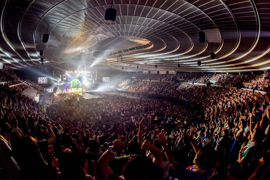 満員となった大阪城ホールを盛り上げたDA PUMP(7日・大阪城ホール)