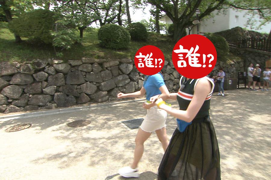大急ぎで浜田がいるというある場所へと向かう2人(写真提供:MBS)