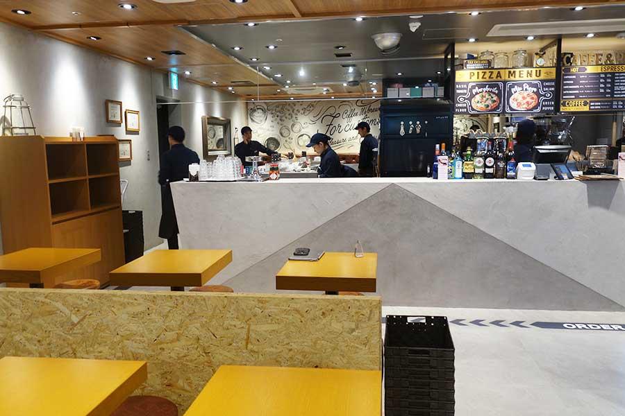 ピッツァやスイーツ、クラフトビールなど幅広く楽しめるようになった「CIAO PRESSO×PIZZA CONA 難波駅店」