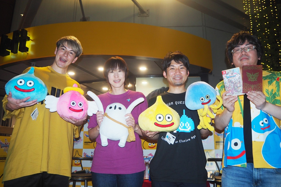 トークイベントに登壇した(左から)JOY、斎賀みつき、青海亮太氏、岡本北斗氏(29日・大阪市内)
