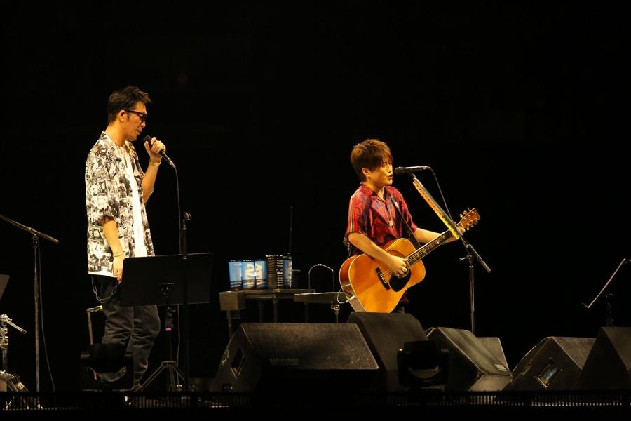 結成20周年を記念したツアーのファイナル公演をおこなったコブクロ(20日・21日/京セラドーム大阪)