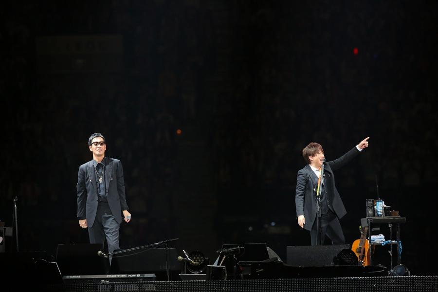 「大阪から生まれて20年、本当にありがとうございます!これからも頑張ります!宜しくお願いします!」とコメントしたコブクロ
