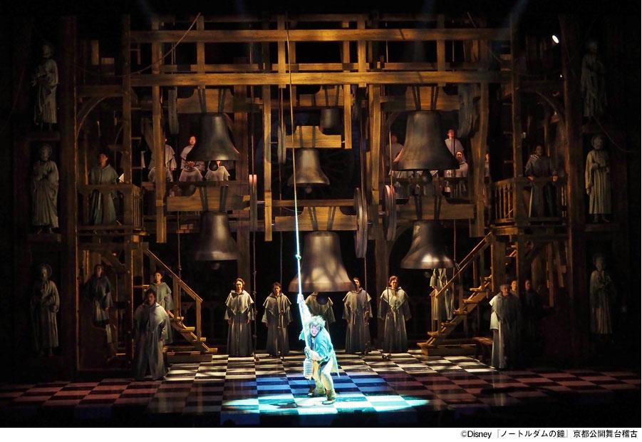 ©Disney『ノートルダムの鐘』京都公開舞台稽古より(7月27日・京都劇場)