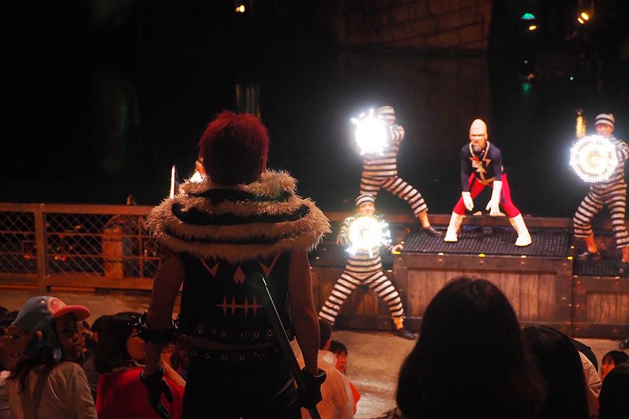 『ワンピース・プレミア・ショー』カタクリが登場すると客席からは歓声が