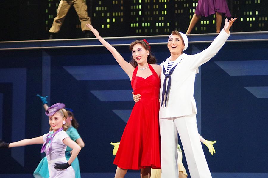 今年1月に珠城りょう・美園さくらの月組トップコンビプレお披露目公演として上演された今作。再演でさらに息の合ったところを見せた