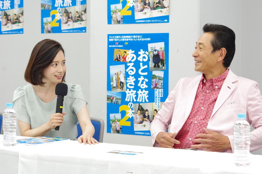 酒ばかり飲んで白米を食べないという三田村に、「ごはんも食べないとお乳が出ないですからね。赤ちゃんに怒られますよ」と諫める斉藤。三田村は「おれ別にお乳出なくていいんだけど・・・」と戸惑った